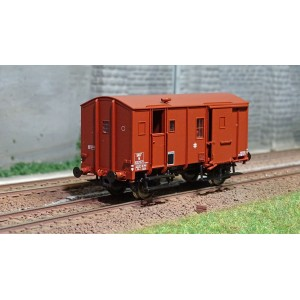 EPM 51.02.08 Wagon marchandise Fourgon Uk, rouge, toit rouge, châssis noir, SNCF,  ep.IIIc