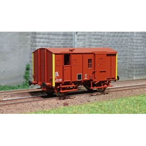 EPM 51.02.10 Wagon marchandise Fourgon Uk, rouge UIC, toit et châssis rouge, SNCF, Cul Jaune, ep.IV