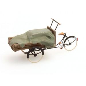 Artitec 387.60 Tricycle porteur chargé avec bâche