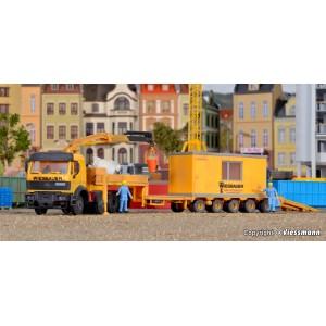 Kibri 13578 Camion porte char avec grue auxiliaire et bungalow