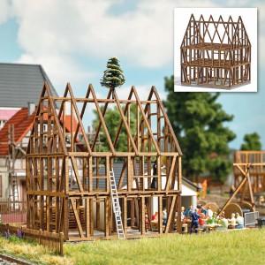 Busch 1370 Gros oeuvre d'une maison à colombage