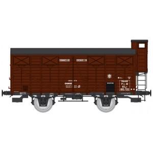 Ree modeles WB686 Wagon couverts OCEM 19, roues pleines, volets fermés et guérite, PLM