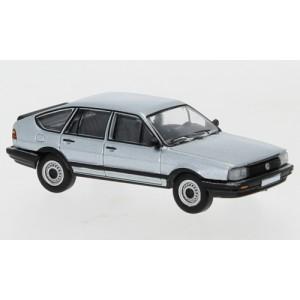 PCX 87 PCX870078 Volkswagen Passat B2, gris métallisé, 1985