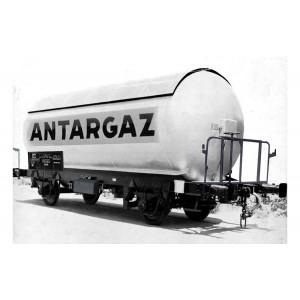 Arnold HN6478 Set de 2 wagons citernes gaz à essieux, livré argent, SNCF, ANTARGAZ, échelle N