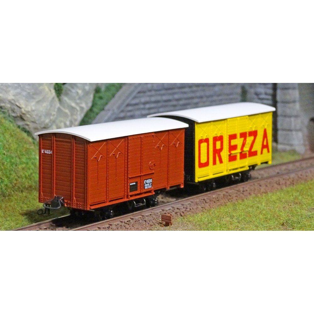 Ree modeles VM011 Set de 2 Wagons Couverts freinés CFC, Toit Rond, Rouge UIC, DREZZA, HOm