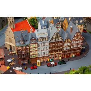 Faller 190075 Maquette, Coffret promotionnel Maisons urbaines Römerberg Est