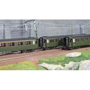 Ree modeles VB409 Set de 3 voitures voyageurs métallisées Ex-PLM, SNCF, A7/B8/B8, vert 306, ep. III