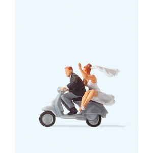Preiser 28150 personnages, Couple de mariés sur vespa