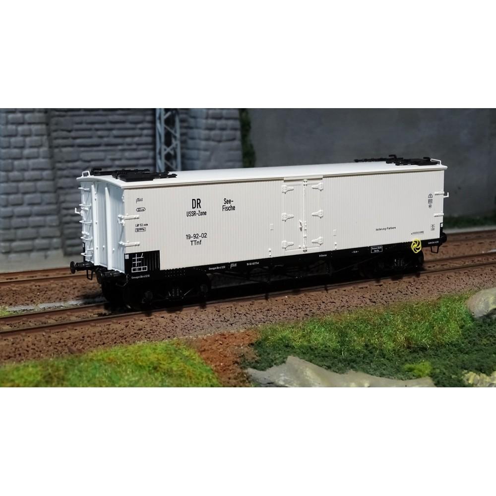 https://www.univers-train.com/5532-large_default/ree-modeles-wb-540-wagon-tp-frigo-trappes-a-glace-dr-ussr-ep-iii.jpg