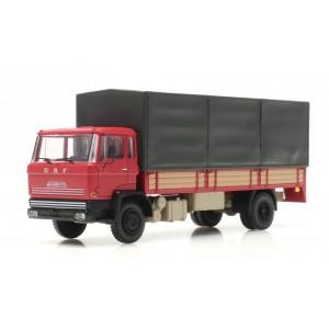 longArtitec 487.051.02 Camion DAF porteur bâché, cabine A 1970, rouge, châssis long