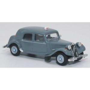 SAI 6110 Citroën Traction 11B 1952, gris bruyère, taxi