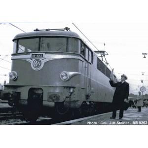 """Ree Modeles MB 081.S Locomotive diesel BB 9267, origine verte Sud-Est, dépôt Lyon-Mouche """"MISTRAL"""", sonore, panthos motorisés"""