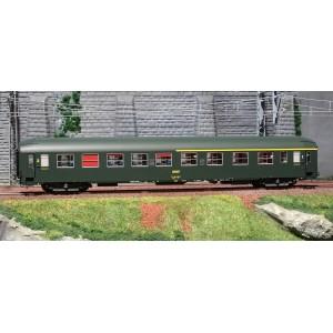 Ree Modeles VB226 Voiture voyageurs UIC couchettes, A4B5, vert 301, logo jaune, toit haut